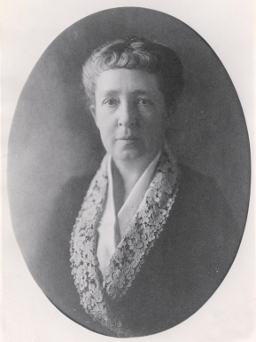 Grace Richards Jones, President of St. Louis Children's Hospital, circa 1918.